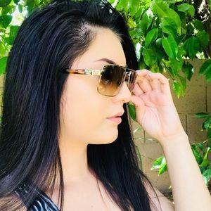 ✨Vintage✨ Versace tortoise shell sunglasses